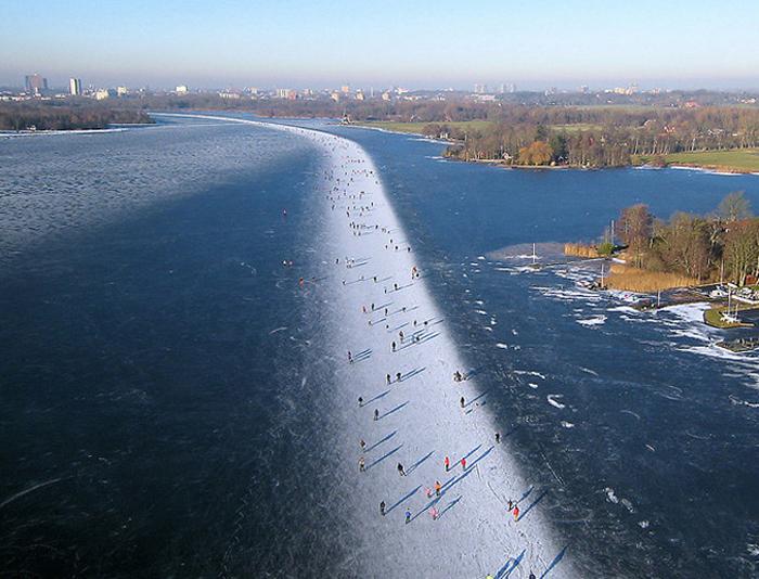 Paterswoldse Meer Ice skating, Netherlands